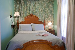 Tiffany Room - Bed