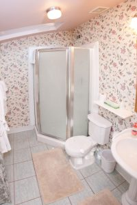 Honeymoon Cottage - Bathroom