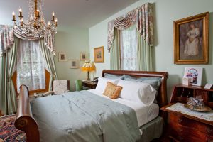 Tea Rose Room - Bed
