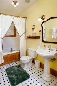 Tea Rose Room - Bathroom